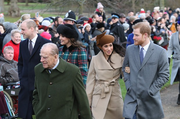 William e Kate, Harry e Meghan e Philip à frente (Foto: Getty Images)