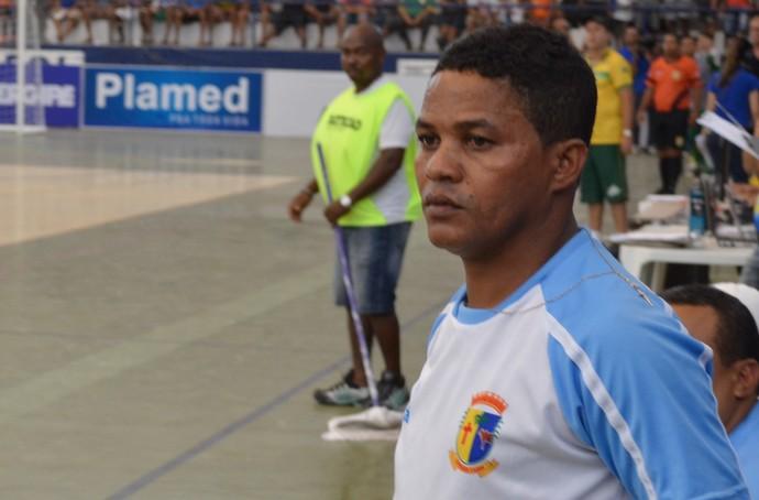 Glauber técnico de Itaporanga (Foto: João Áquila)
