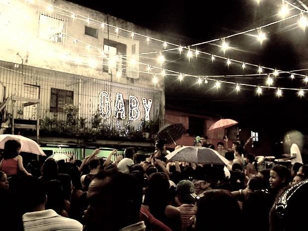 """Casa da cantora Gaby Amarantos foi o cenário de """"Gaby Amarantos: Live in Jurunas"""". DVD foi exibido no mesmo local das gravações. (Foto: Divulgação)"""