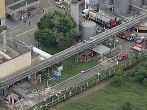 Explosão na fábrica da Heineken (Foto: Reprodução/ TV Vanguarda)