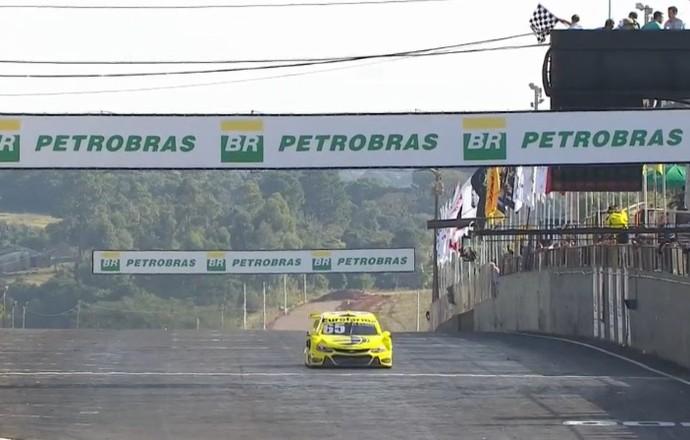 Max Wilson vence primeira corrida em Tarumã Stock Car (Foto: Reprodução/SporTV)