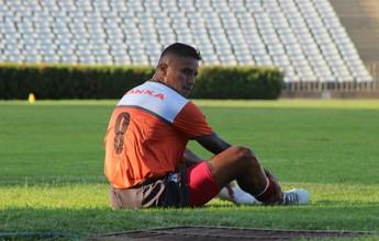 Com lesão no joelho, Rogério desfalca Galo por 45 dias e está fora da Série C