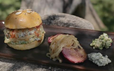 Hambúrguer com molho de picles: receita do Olivier Anquier