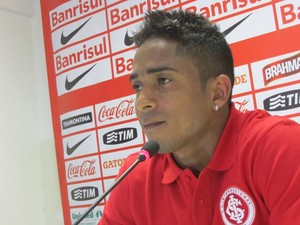Jorge Henrique atacante Inter (Foto: Tomás Hammes / GloboEsporte.com)