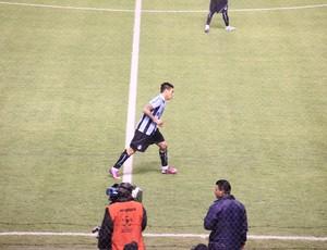 Vargas teve atuação aprovada no Grêmio (Foto: Robson Stefani/RBS TV)