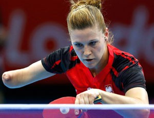 Natalia Partyka tênis de mesa londres 2012 olimpíadas (Foto: Reuters)