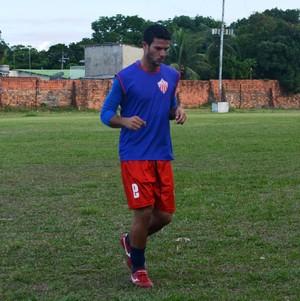 Kellysson, volante do Rio Branco sub-20 (Foto: Quésia Melo)