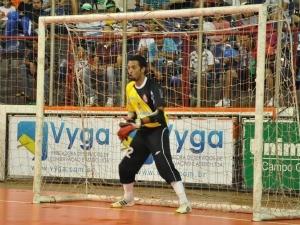Goleiro do AEFA Copa Morena MS (Foto: Gabriela Pavão/GLOBOESPORTE.COM MS)