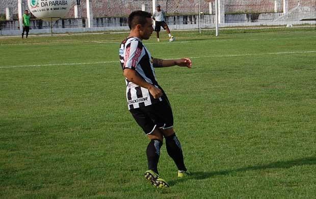 Diego Pitbull, lateral direito do Botafogo-PB (Foto: João Neto)
