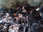 Casa fica parcialmente destruída após incêndio em Itapeva, MG