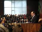José Ivo Sartori toma posse e fala em 'medidas duras' contra crise no RS