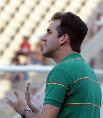 Léo Condé diz que grupo tricolor tem confiança em manter ritmo nos jogos fora (Foto: Biamam Prado / O Estado)