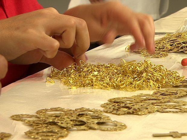 4aa54a4f0c7 G1 - Comércio de joias e semijoias atrai vendedores para Itabaiana ...