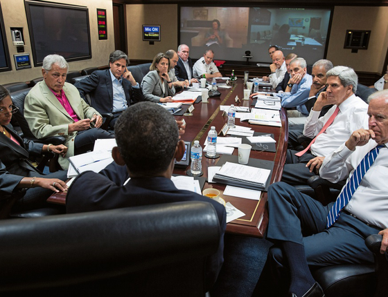 Obama , em reunião com assessores  (Foto:   Pete Souza/White House via Getty Images)