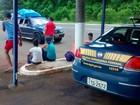 Carro argentino é flagrado com 12 passageiros em Lagoa Vermelha
