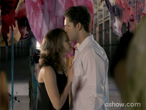 Linda e Rafael vivem seu amor tão especial (Foto: Amor à Vida/TV Globo)
