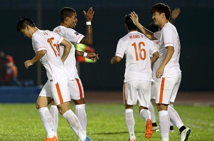 Comemoração Shandong Luneng Champions da Ásia (Foto: Reprodução / Site oficial Shandong Luneng)
