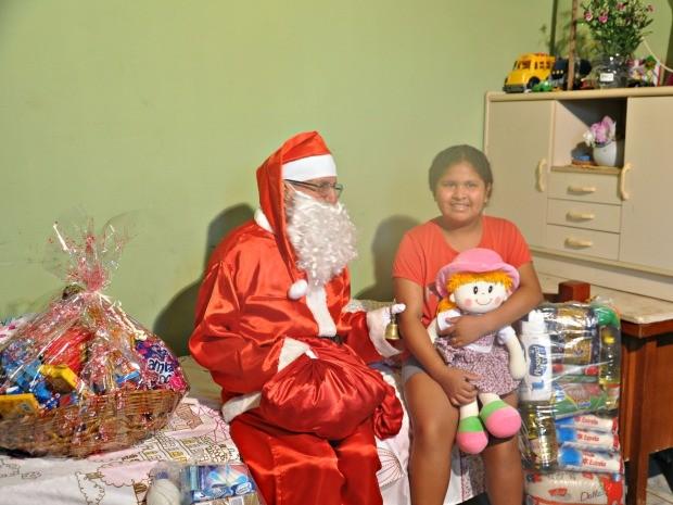 Menina envia carta ao Papai Noel e ganha cama de presente em MS (Foto: Priscilla dos Santos/G1 MS)