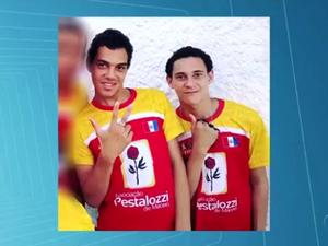 Adolescente e jovem foram mortos na noite da última sexta-feira (25), em ação da polícia (Foto: Reprodução/TV Gazeta)