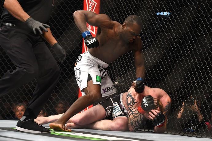 Ed Herman x Derek Brunson, UFC 183 (Foto: Getty Images)