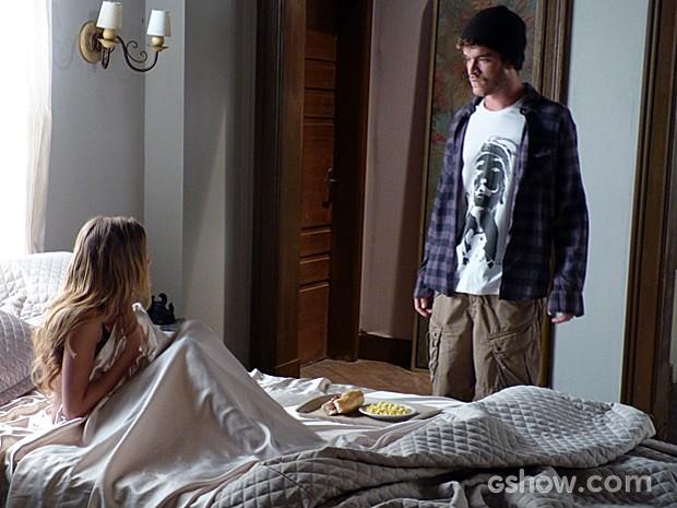 Sidney manda na lata que continua sendo o mesmo cara largadão e choca Sofia (Foto: Malhação / TV Globo)