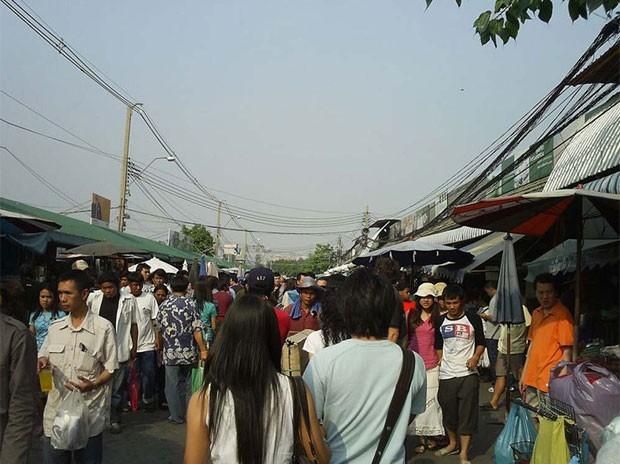 Mercado de Chatuchak recebe 200 mil visitantes por dia (Foto: Chatuchak Market)