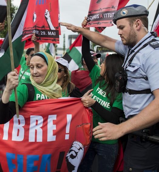 mais um protesto (Reuters)