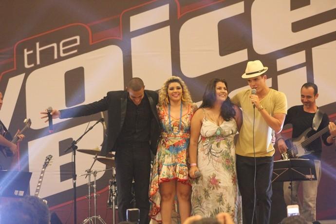 E se é alegria no palco, teve que ter todo mundo junto! (Foto: Luanna Gondim / TV Verdes Mares)