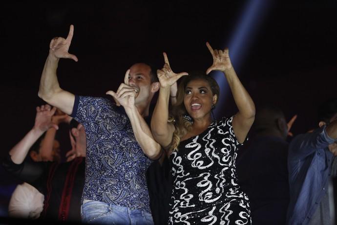 Gaby Amarantos se diverte na gravação da vinheta do 'Dança dos Famosos 2016' (Foto: Raphael Dias / Gshow)