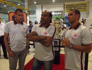 Carlos Mota, Moura e Carioca, campeões pelo América-RN em 98 (Foto: Tiago Menezes/GLOBOESPORTE.COM)