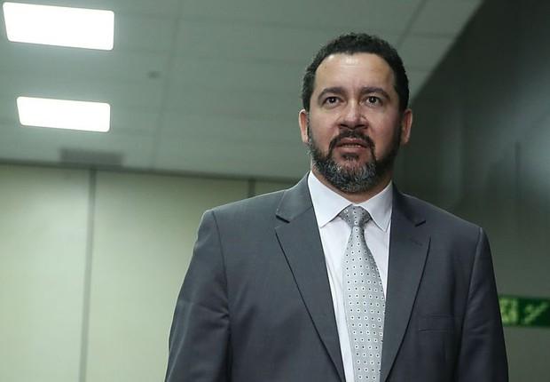 O ministro do Planejamento, Dyogo Oliveira, apresenta o Plano de Demissão Voluntária (PDV) para servidores públicos (Foto: José Cruz/Agência Brasil)