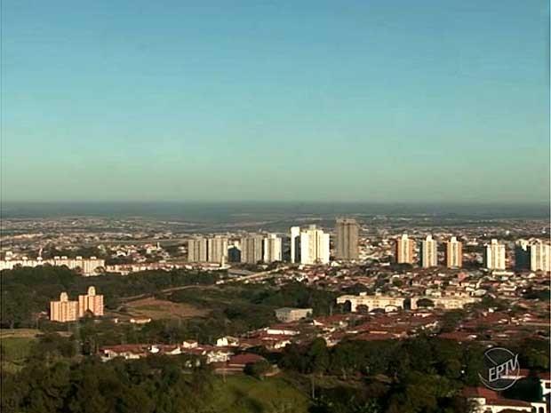 Tempo seco na região de Campinas (Foto: Reprodução EPTV)