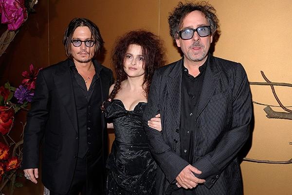 Já era de se esperar que, ao escolher quem apadrinharia seu filho, Tim Burton e Helena Bonham Carter decidiriam por Johnny Depp (Foto: Getty Images)