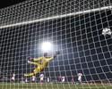 Redação AM: Narrador descreve gol de chileno Vargas como obra de arte