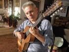 Interior se envergonha da música caipira, diz violeiro Roberto Corrêa