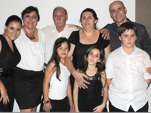 Fernandino Guimarães pai filhos Mariauda Maristela Marcelo Marina netos Uberaba (Foto: Fernandino Guimarães/ Arquivo Pessoal)