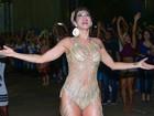 Lívia Andrade usa roupa sexy em ensaio para o Carnaval