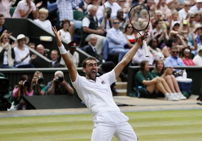 Marin Cilic comemora vitória sobre Sam Querrey e vaga na final de Wimbledon (Foto: AP Photo/Kirsty Wigglesworth)