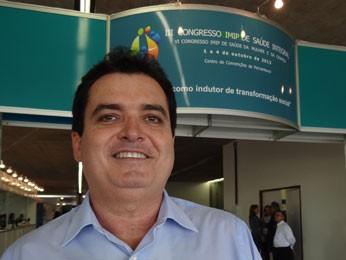 Médico Felipe Lorenzato fala sobre câncer de colo de útero (Foto: Luna Markman/ G1)