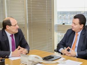 Sartori se reúne com o ministro das Cidades, Gilberto Kassab, em Brasília (Foto: Luiz Chaves/Palácio Piratini)