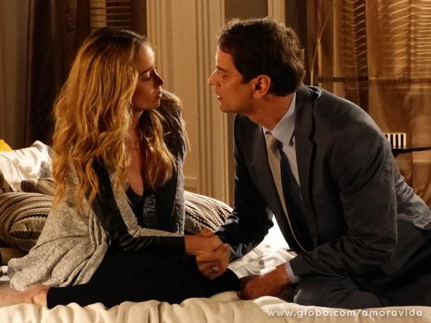 Eron vai agradecer por ela ter conversado com Niko e rola um clima (Foto: Amor à Vida/TV Globo)