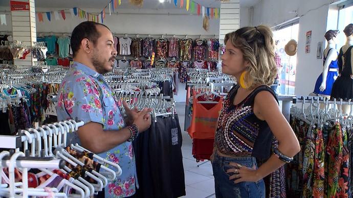 Em Juazeiro, Paula Magalhães e Renato Oliveira fazem garimpo (Foto: TV Bahia)