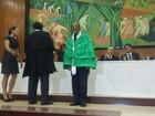 Naná Vasconcelos recebe título de doutor honoris causa da UFRPE