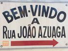 Em Campo Grande, placa com nome de rua dá boas-vindas para visitante