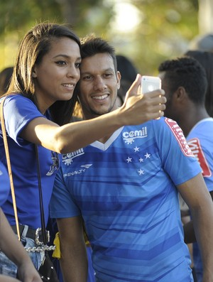 Henrique; Cruzeiro (Foto: Gualter Naves/Light Press)