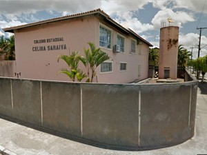 Professor sofreu agressão dentro do Colégio Estadual Celina Saraiva, em Esplanada (Foto: Reprodução/ Google Street View)