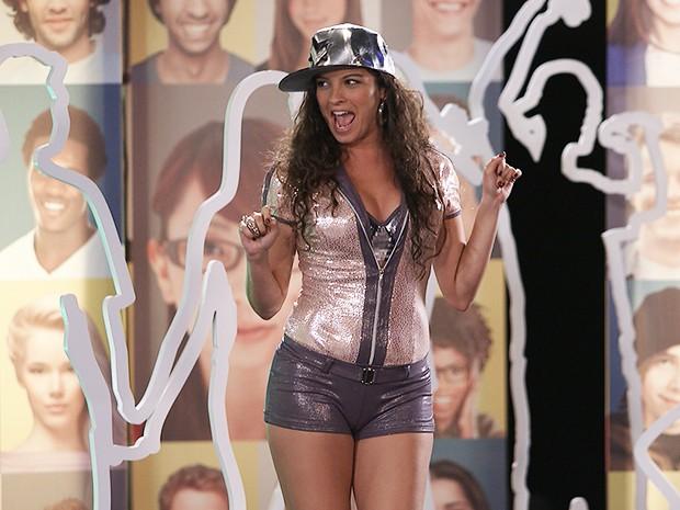 Luene Pirulito, ou Luene Michelle, no palco do reality (Foto: Parker TV)