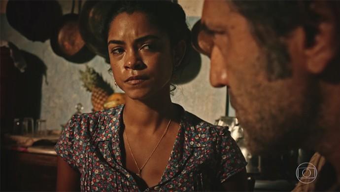 Luzia diz que não sabe se aguenta continuar ao lado de Santo  (Foto: TV Globo)