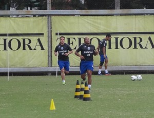 Anderson Pico voltou a trabalhar no Grêmio (Foto: Hector Werlang/Globoesporte.com)