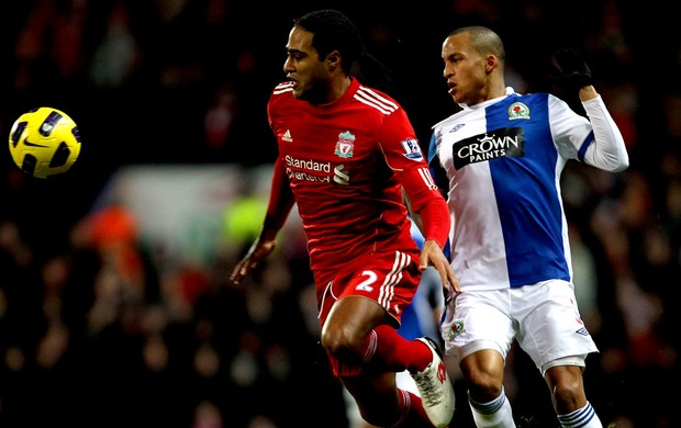 glen johnson liverpool martin olsson blackburn (Foto: agência Getty Images)